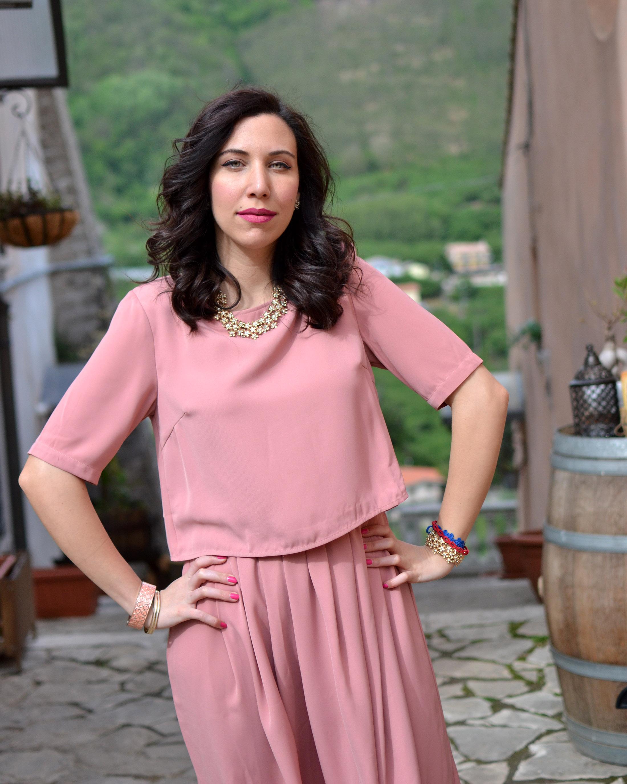 ... Cerimonia in estate  l abito rosa antico per l invitata Lo stile ... 3cdf9923d6a