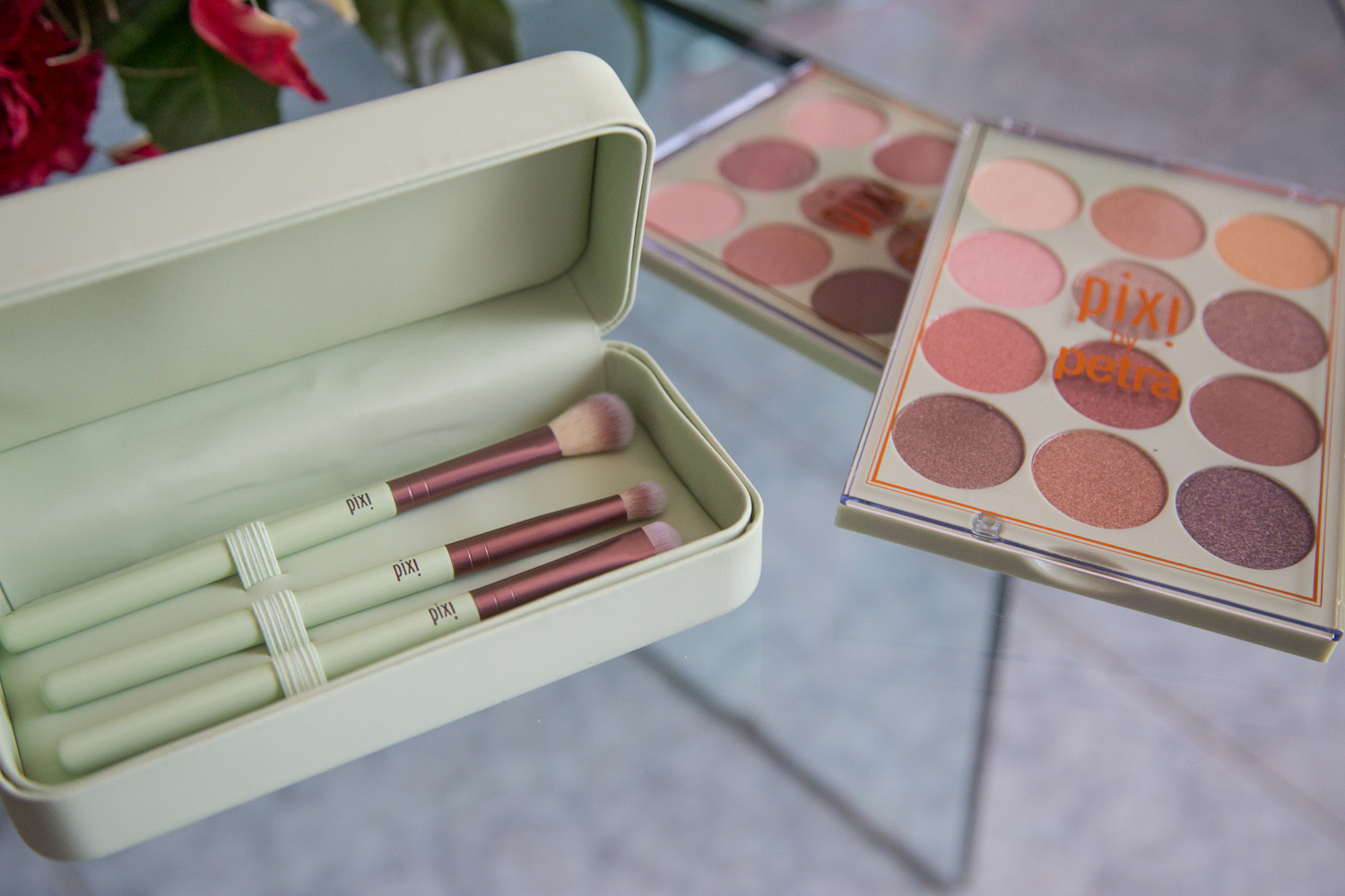 Eye Reflections Shadow Palette pixi beauty review